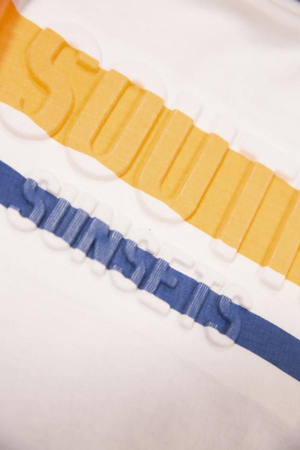T-shirt uni avec impression en relief devant en coton Garcia