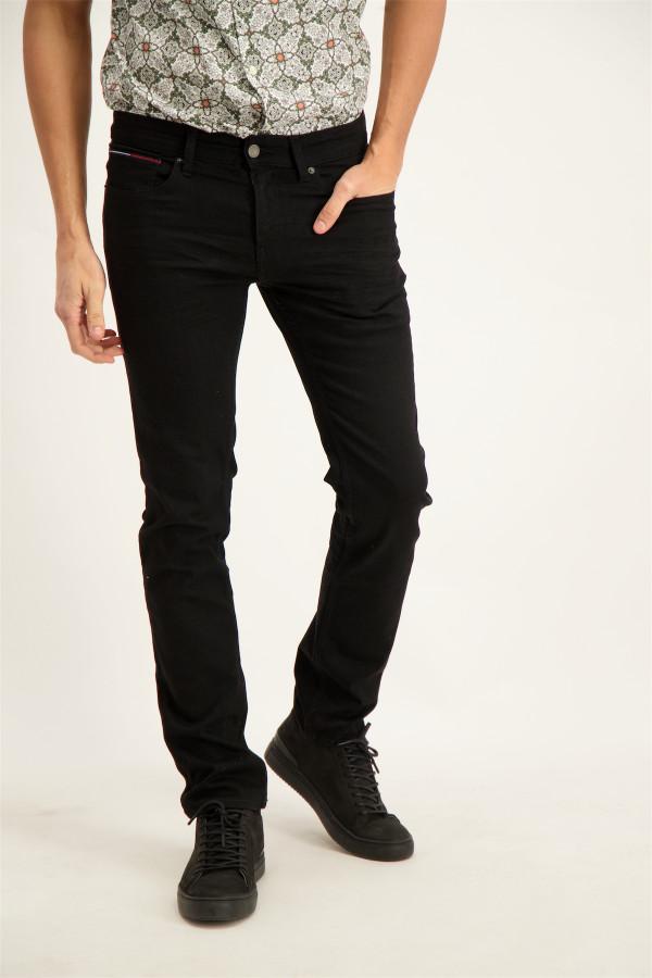 Jean slim uni modèle 5 poches en coton stretch Tommy Hilfiger