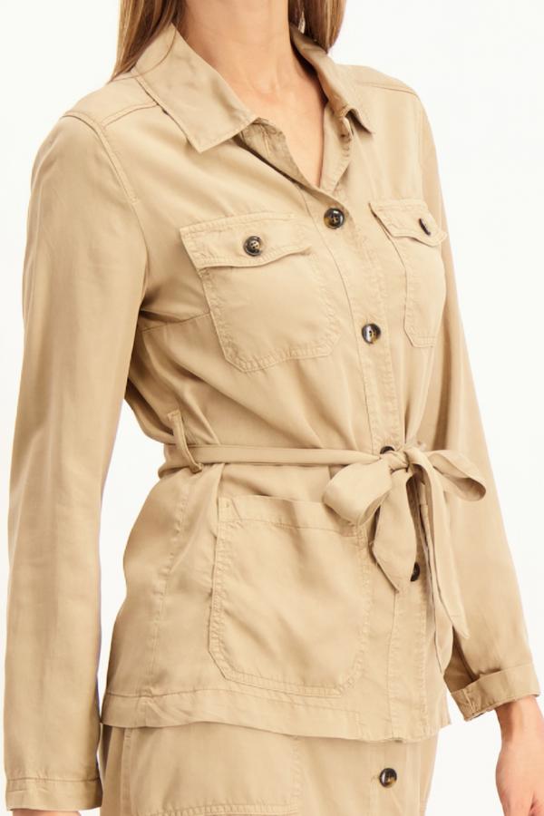 Veste unie boutonnée avec poches et ceinture Signe Nature