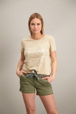 T-shirt manches courtes avec impression et pastilles devant Geisha